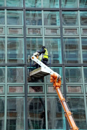 SIS (MI6) building-window cleaning
